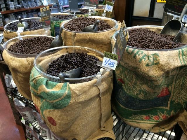 量り売り用の大量コーヒー豆
