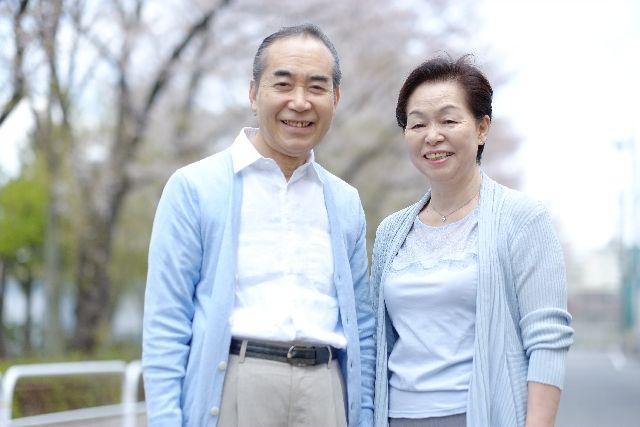 健康寿命の延伸に努めている元気な老夫婦