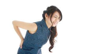 右だけ腰痛は危険信号?特に女性は絶対に見逃してはいけません!