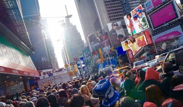 人混みで溢れるニューヨーク・マンハッタン